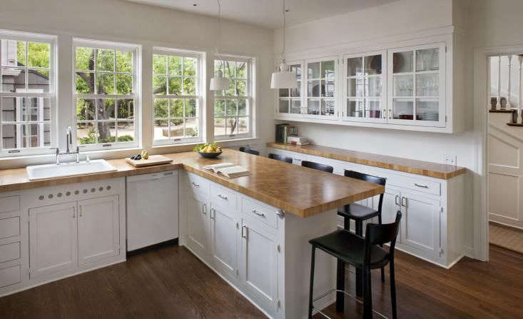 San Francisco architectMark Reillyused end-grain butcher block countertops in akitchenin a turn-of-the-century house in Palo Alto, California. &#8