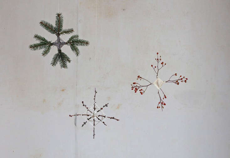 diy foraged branch ornaments by justine hand   remodelista 14