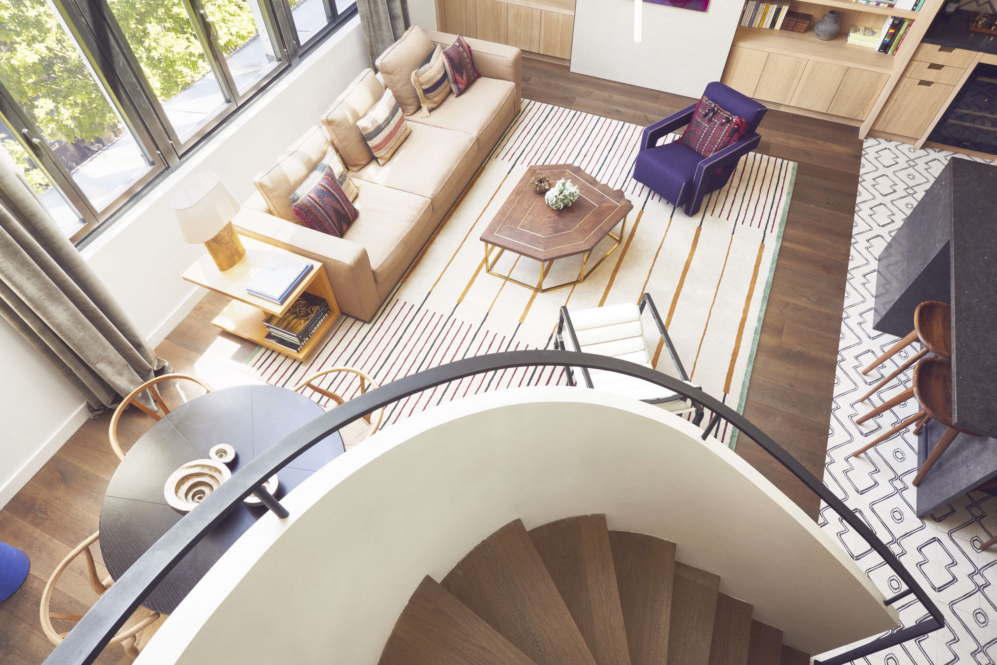 curved stair in a paris pied à terre, a right bank artist's garret transformed 14