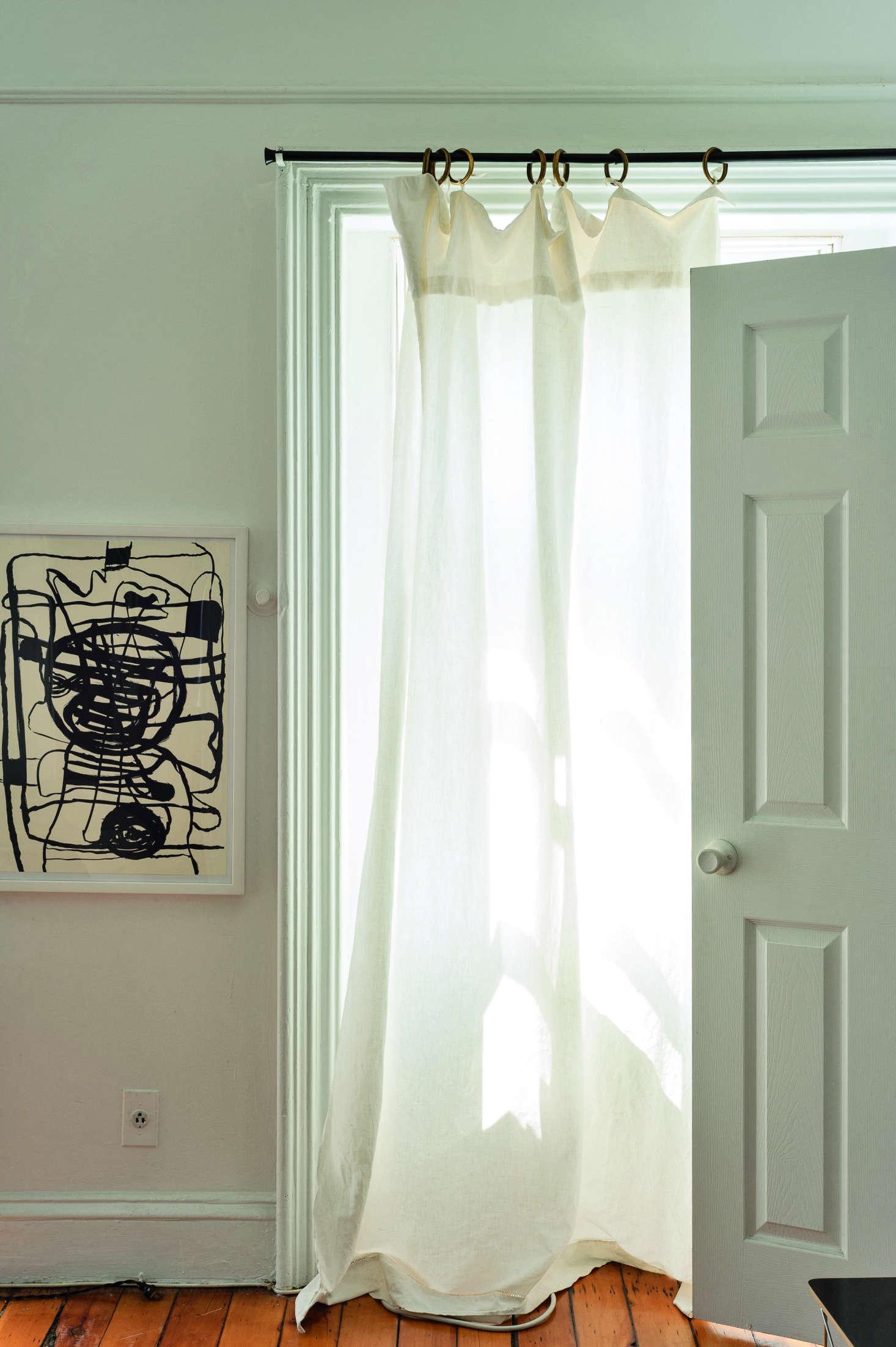 Tablecloth as lightweight curtain in Corinne Gilbert&#8