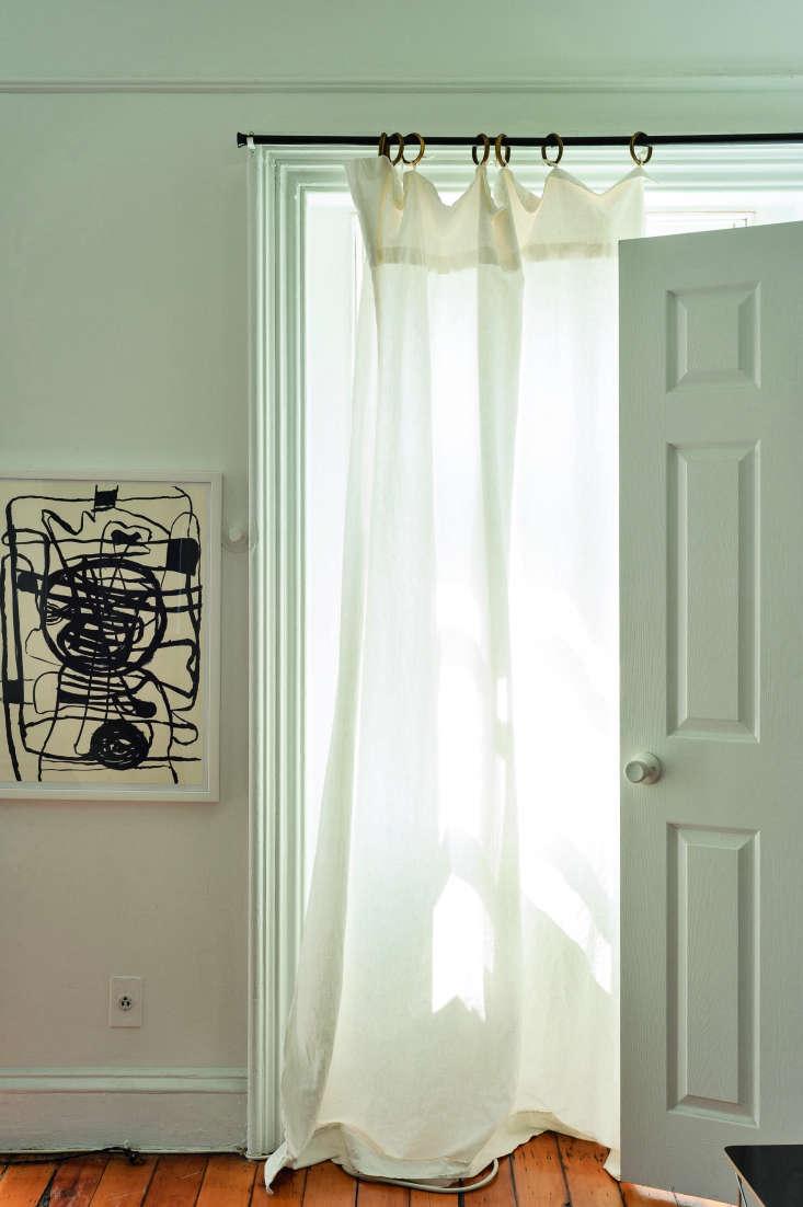 tablecloth as lightweight curtain in corinne gilbert&#8\2\17;s brooklyn fla 17