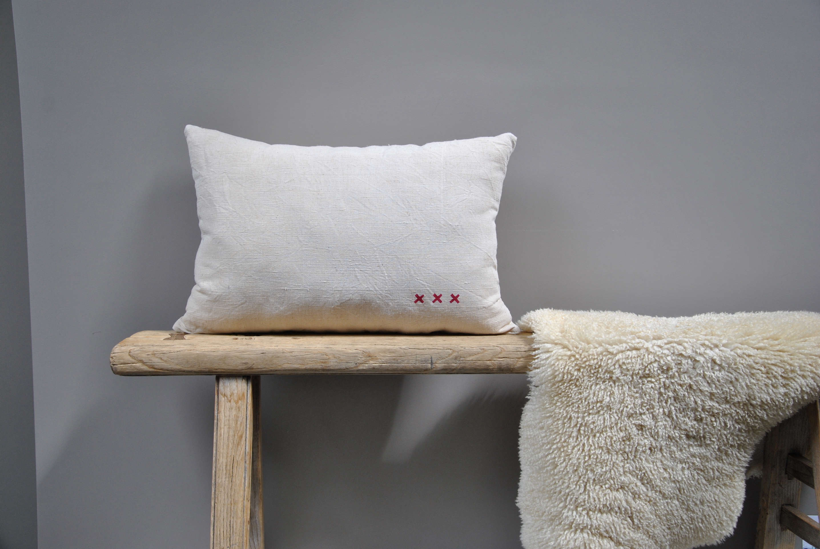 pillow of vintage linen with x stamp decoration from le reperes des belettes |  17