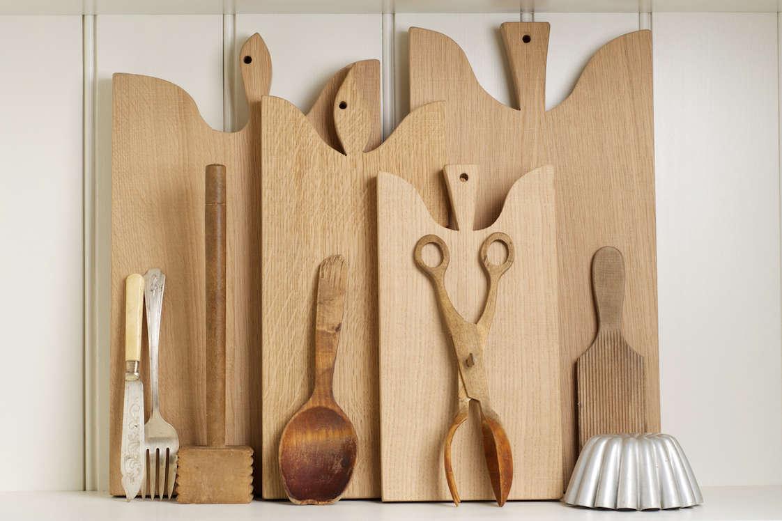 Oak cutting boards from UK kitchen design company DeVol | Remodelista