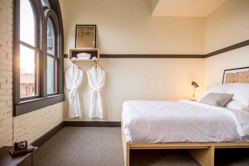 society hotel remodelista bedroom 20 14