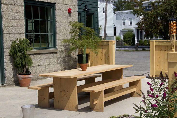 Or Gallery and Tavern ext table