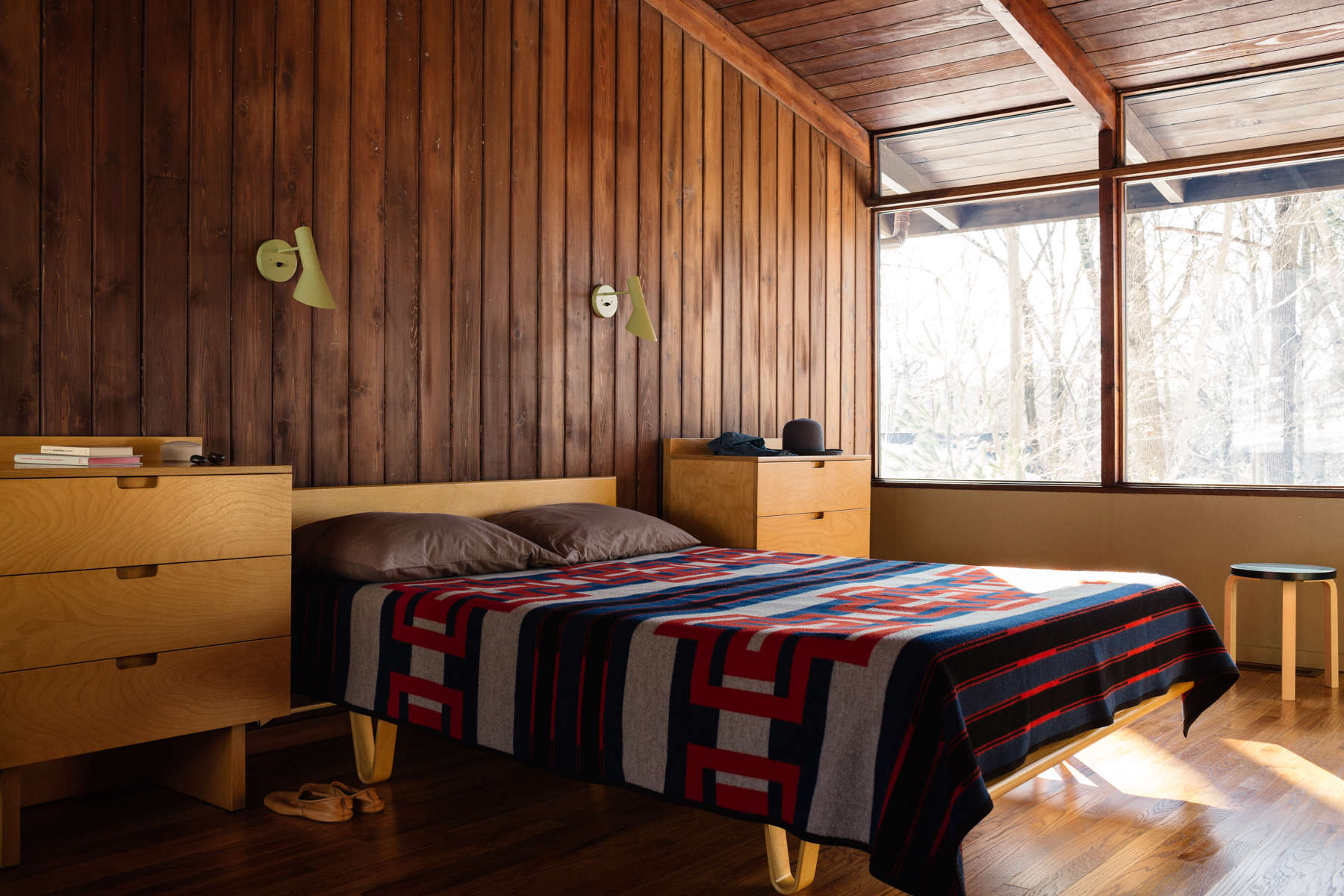 Remodelista-BFerry-WoodHouse-29
