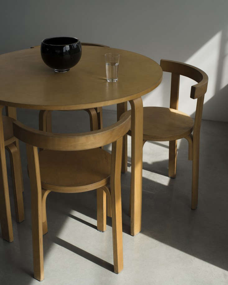 HighLow Alvar AaltoStyle Dining Table and Chairs The Apartment LA by The Line Remodelista 2 733x917