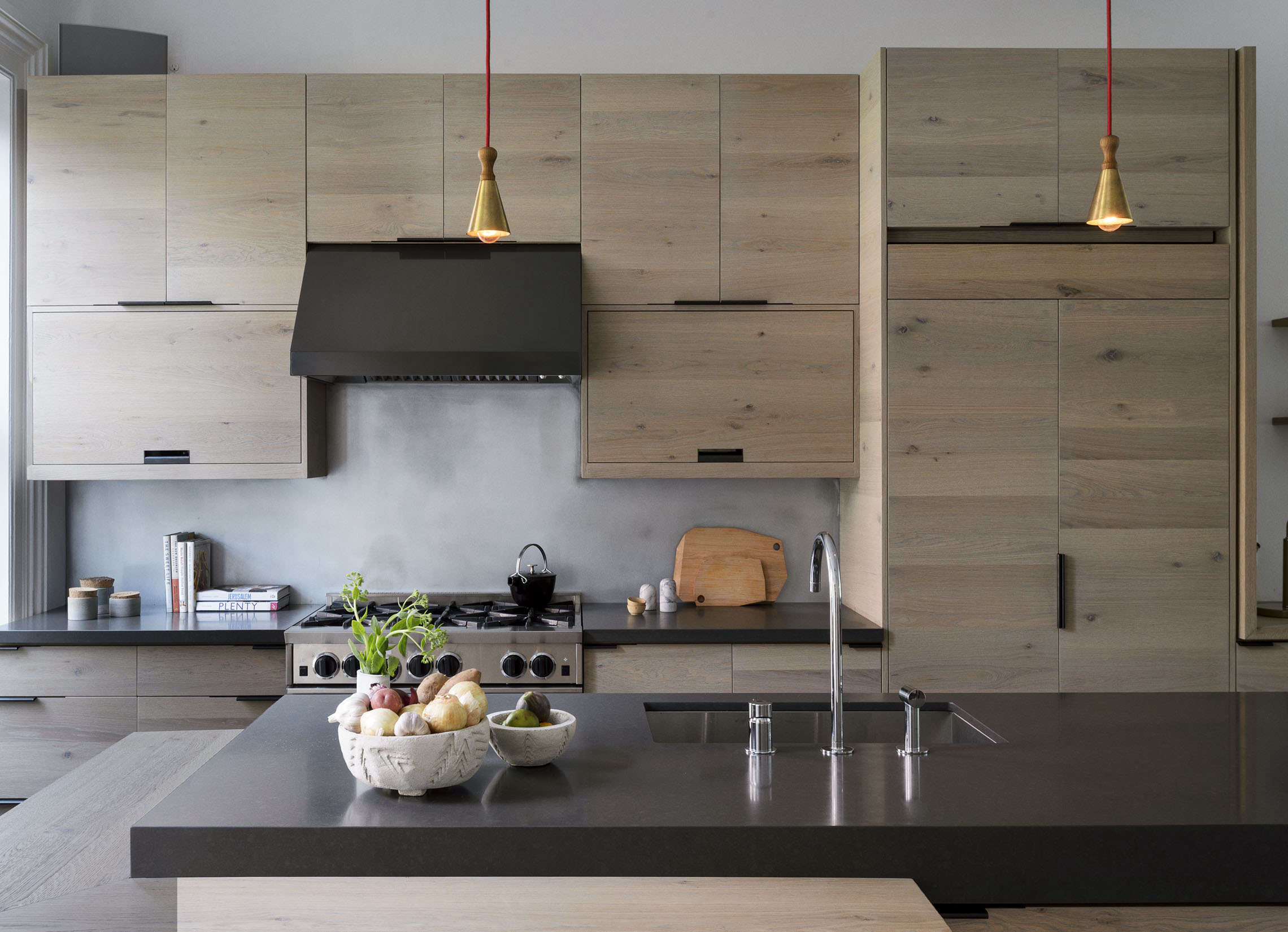 brooklyn kitchen with custom oak cabinets, design by workstead, photograph by m 11