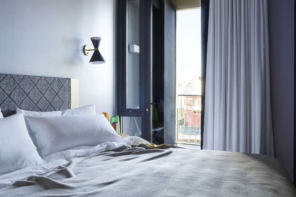 alex blue hotel room 17