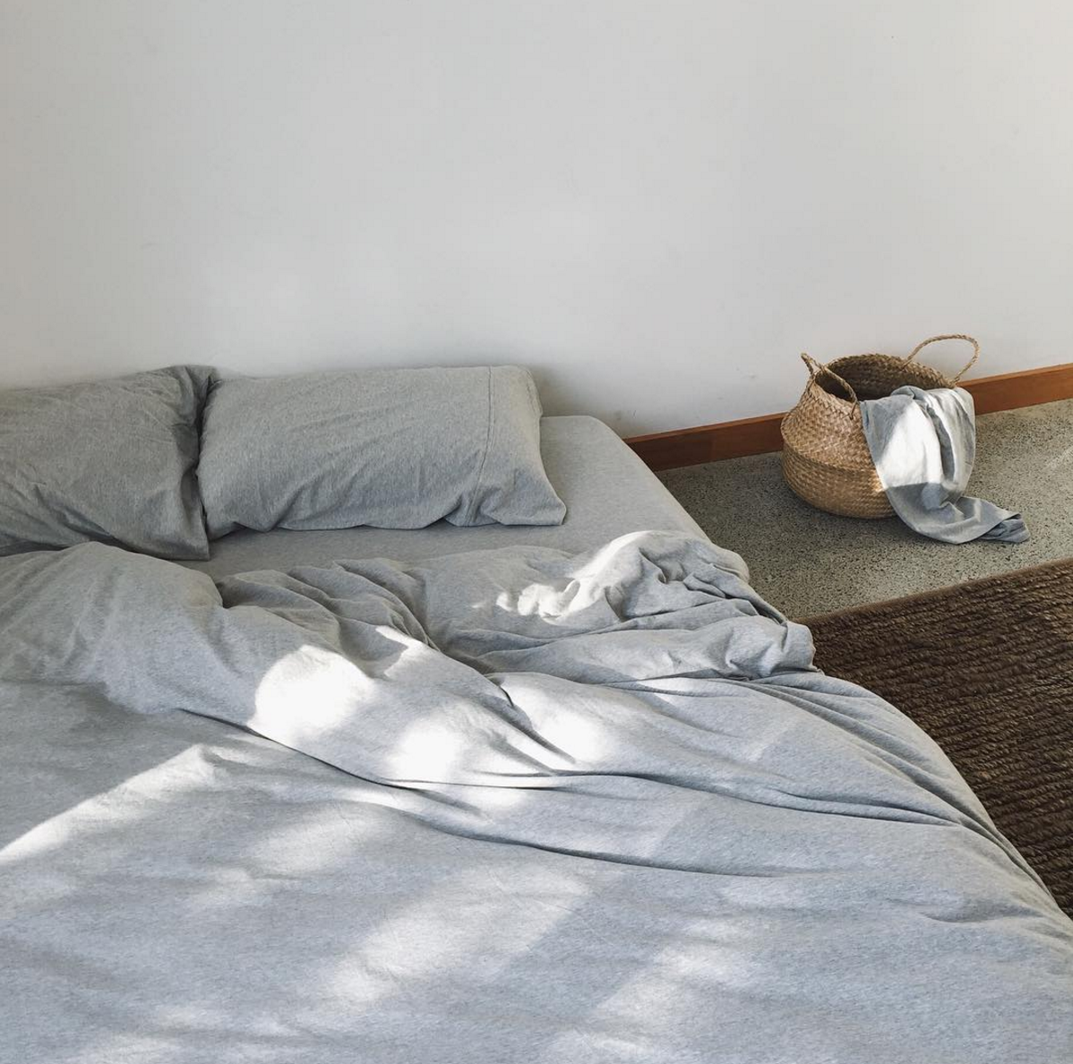 dehei-bedding-grey-marle-bedding-remodelista-1