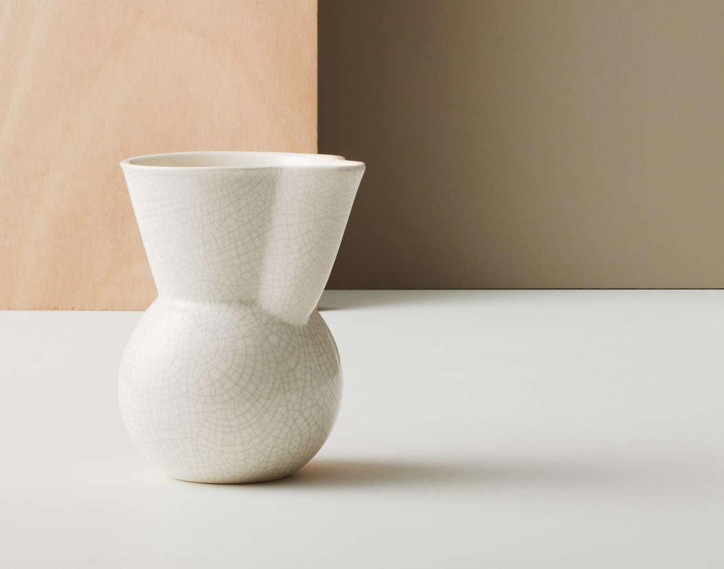gidon bing handleless jug 11