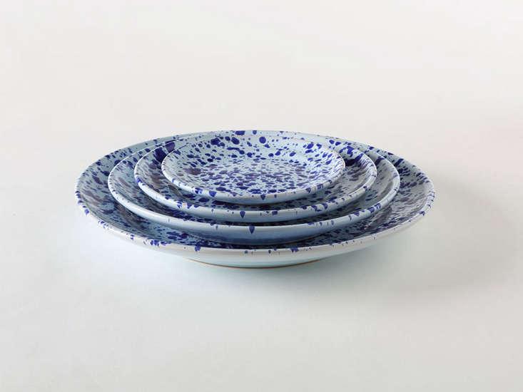 italian splatterware blue plates remodelista 30