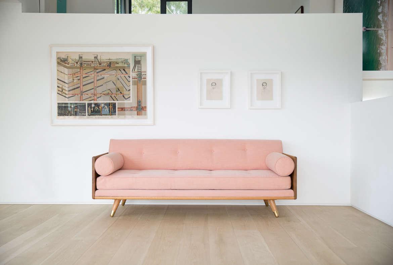 kalon studios no 5 series pink sofa remodelista 11