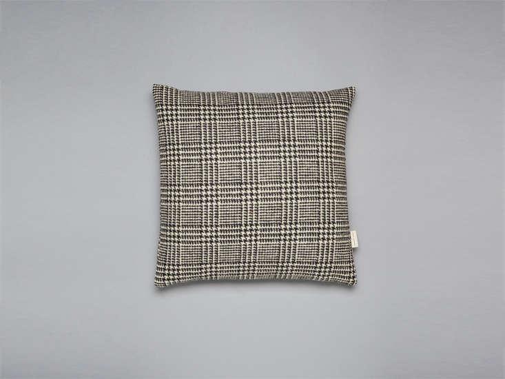 31 chapel lane pillow tweed remodelista 22