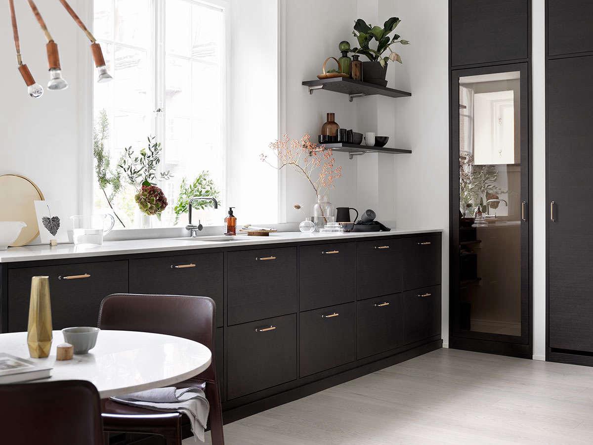 bistro kitchen in ash brown by ballingslov of sweden remodelista 1 9