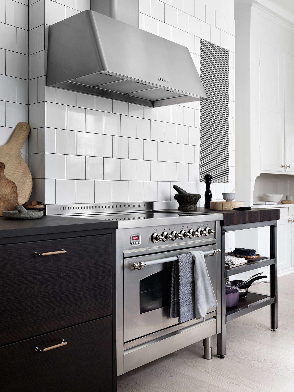 bistro kitchen in ash brown by ballingslov of sweden remodelista 7 17