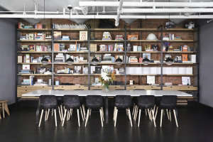 union studio new york loft wall shelving remodelista 10