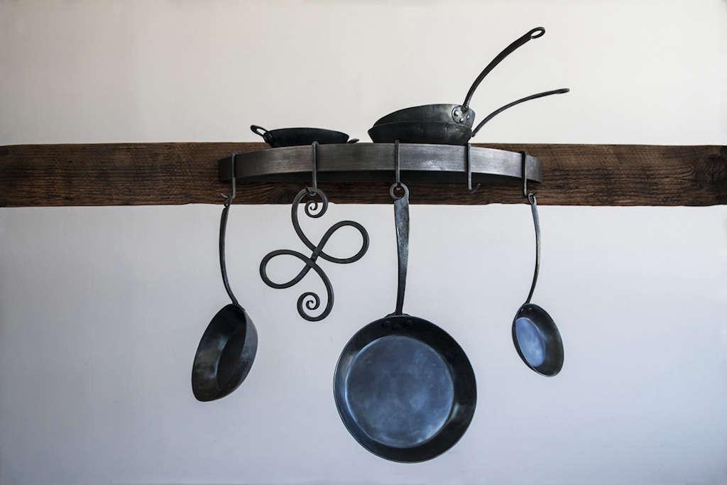 blu skillet ironware remodelista 5 13
