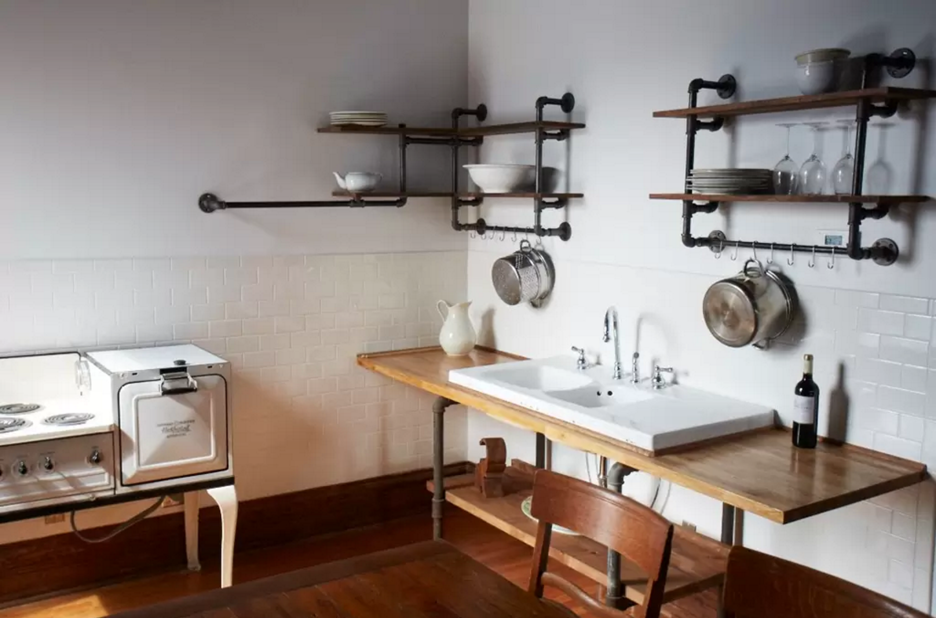 Steal This Look Hudson Milliner Kitchen in New York hudson milliner steal this look remodelista 1