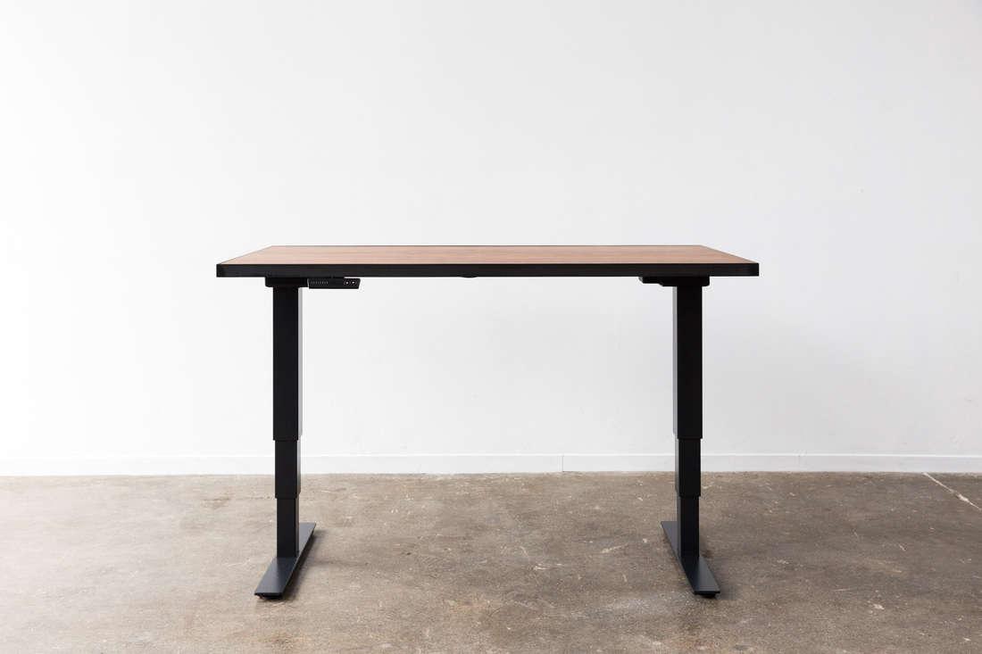 10 Easy Pieces Hardworking Desks ohio design life worktable remodelista 2