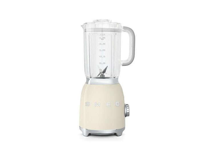 smeg blender cream remodelista 13