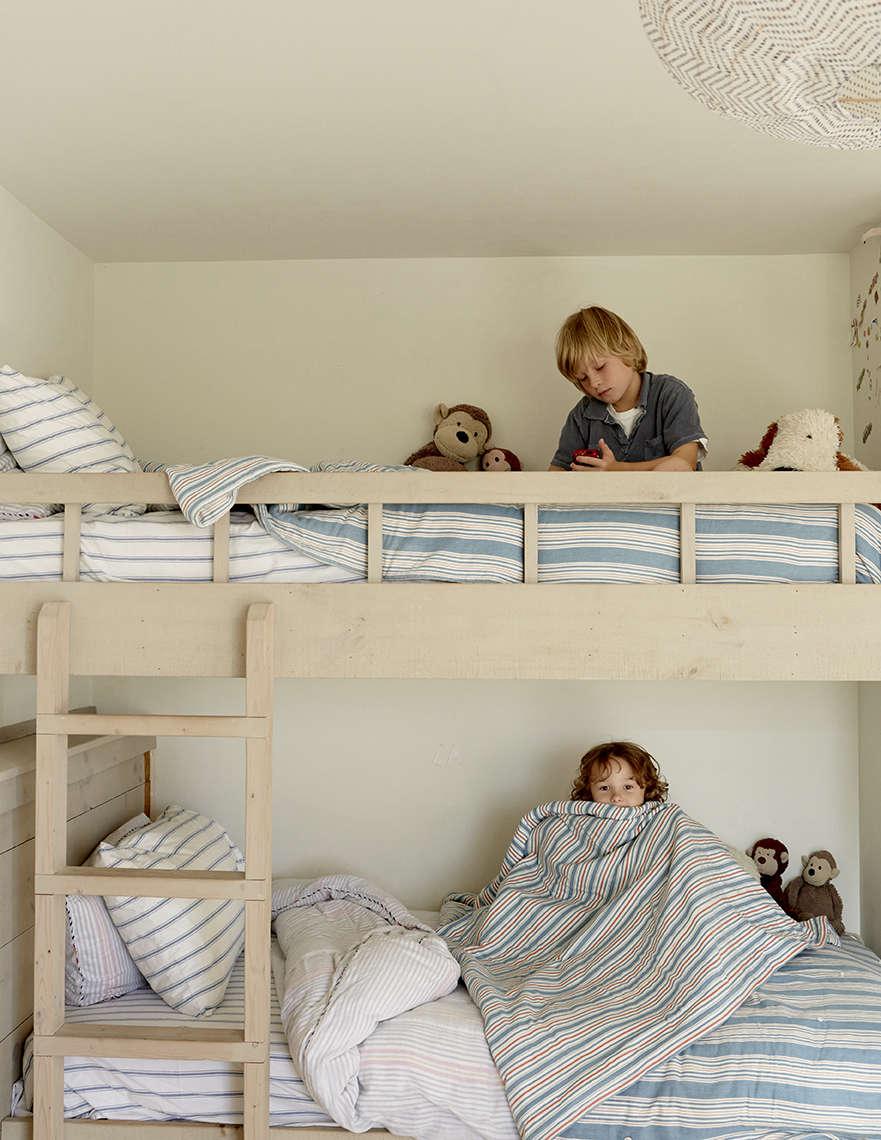 andrew corrie harriet maxwell macdonald shelter island house boys room remodeli 23