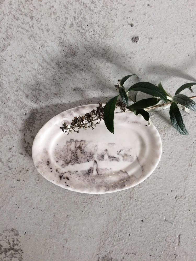 Elin Lannsjo ceramics, marbled black oval, Remodelista