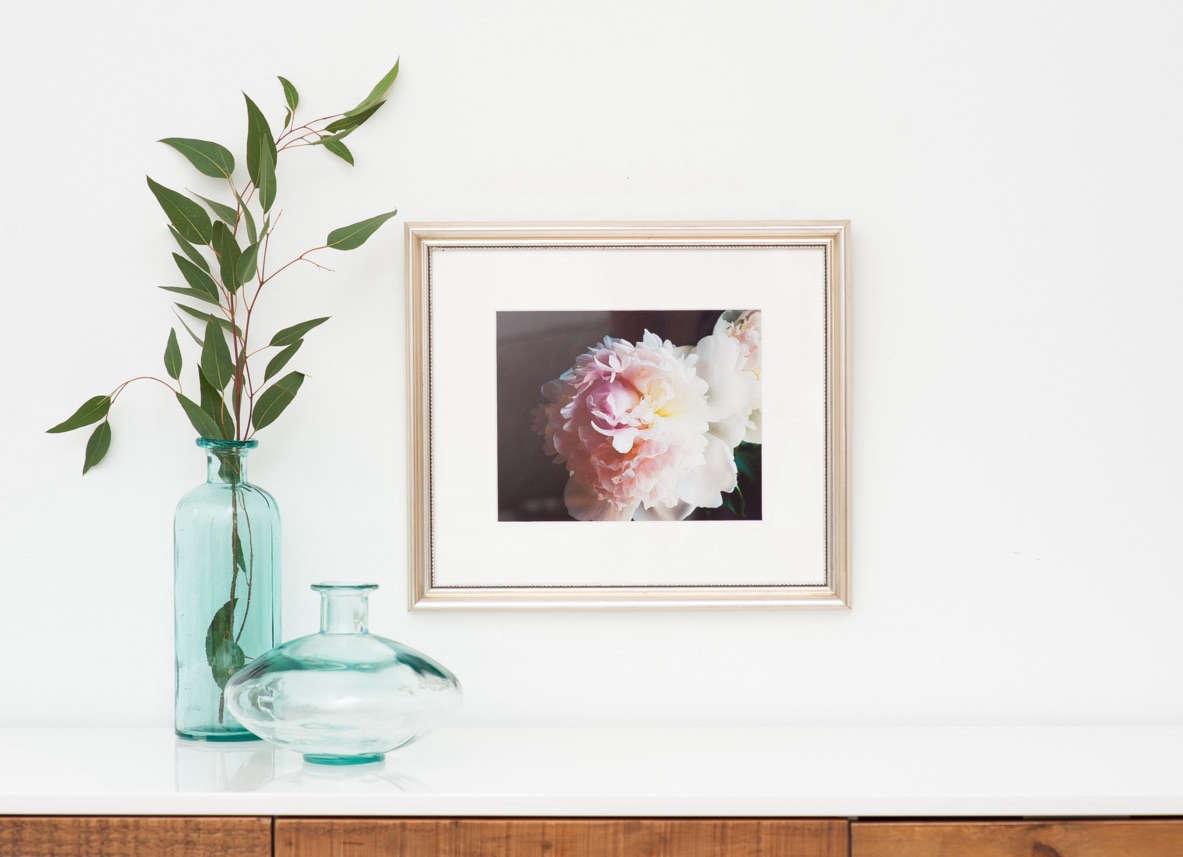 enter to win custom framing from framebridge | remodelista 10