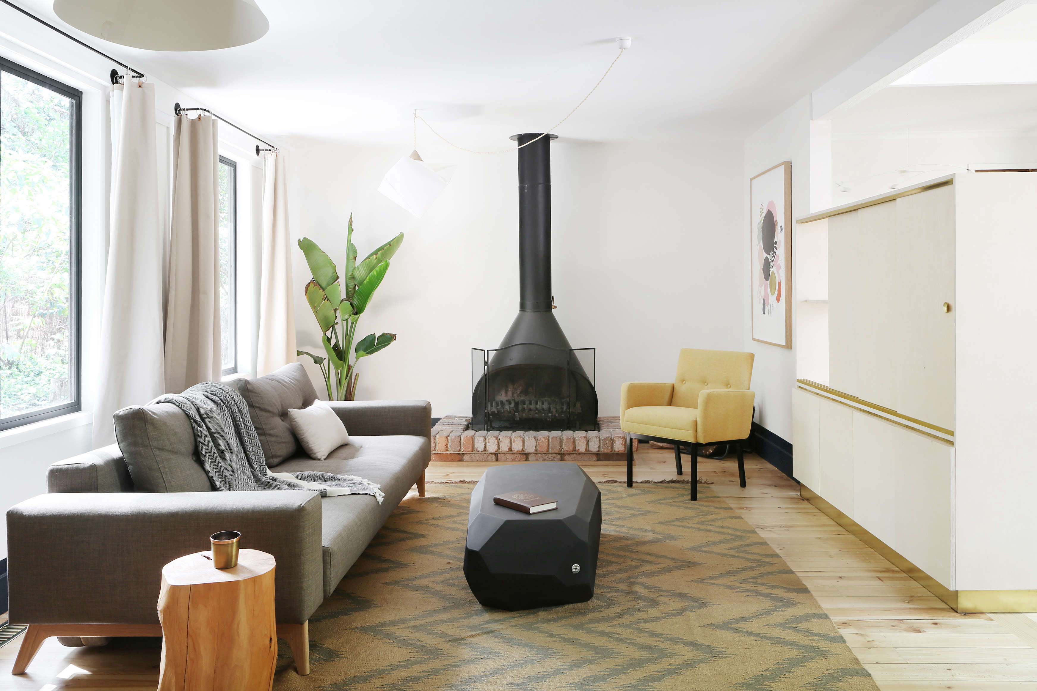 Jackie Winter Gardens, a guesthouse and artist residency outside Melbourne, Australia, designed by Searah Trotter of Hearth; Rhiannon Taylor photo| Remodelista