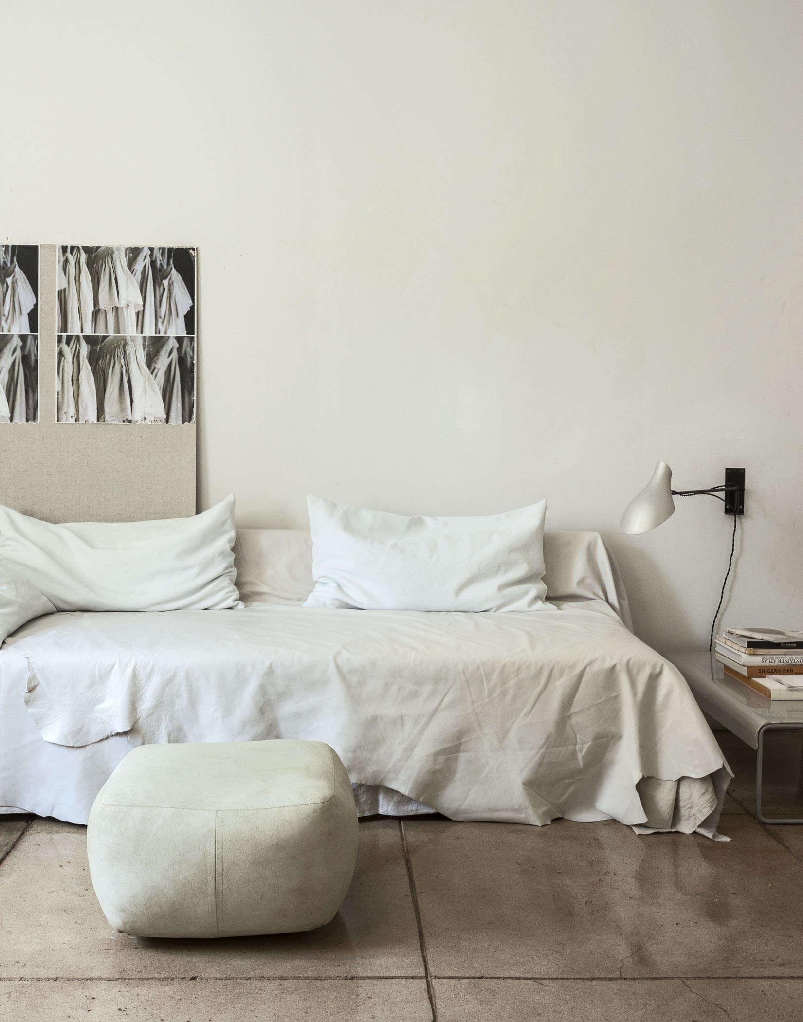 Michaela-Scherrer-guest-room-LA- 2-Remodelista