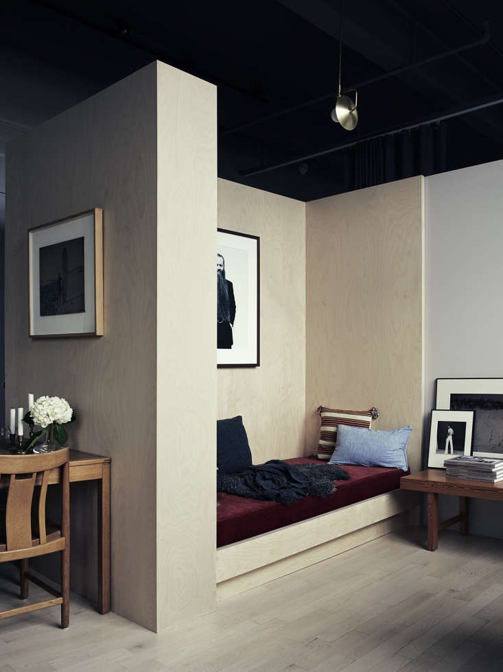 Built-in daybed in photographer Pia Ulin's Brooklyn loft designed by Bangia Agostinho Architecture |Remodelista