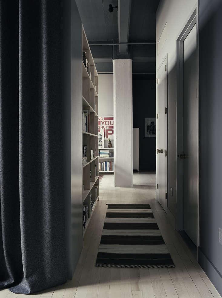 Photographer Pia Ulin's Brooklyn loft designed by Bangia Agostinho Architecture |Remodelista