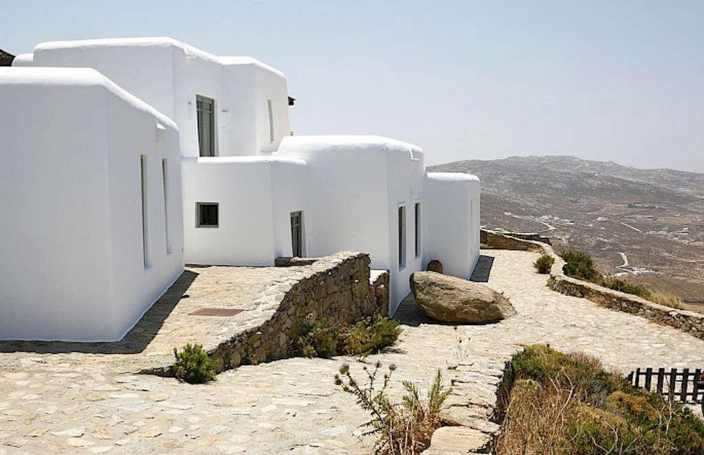 villa honora mykonos greece remodelista 1 9