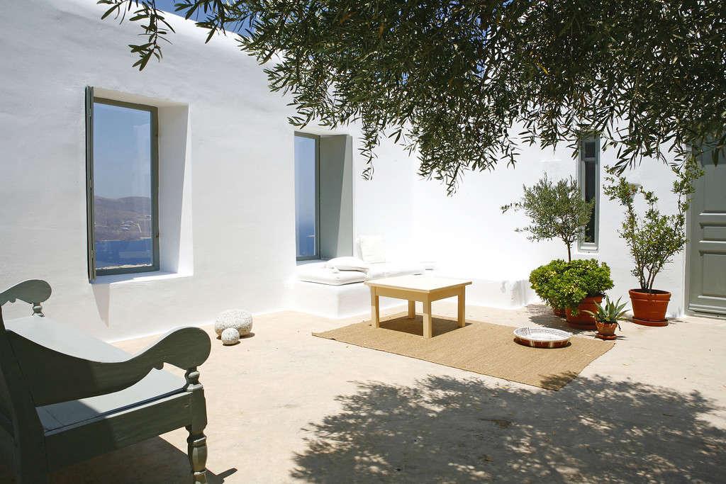 villa honora mykonos greece remodelista 2 10