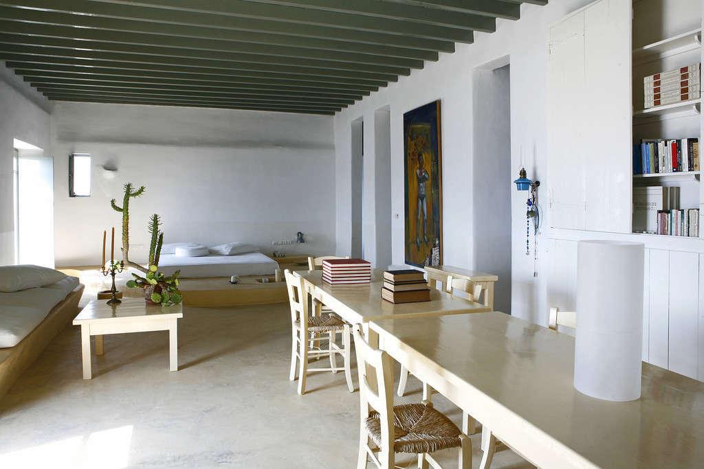 villa honora mykonos greece remodelista 3 11