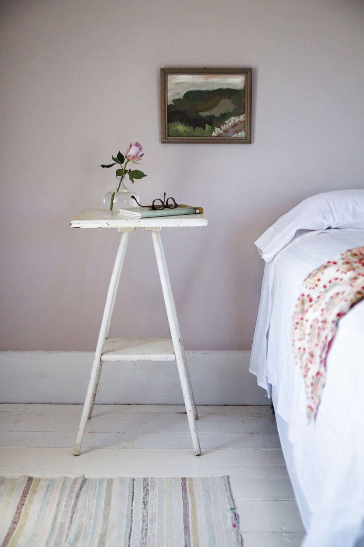 in her children&#8\2\17;s summer bedrooms, julie paired farrow &ball& 12