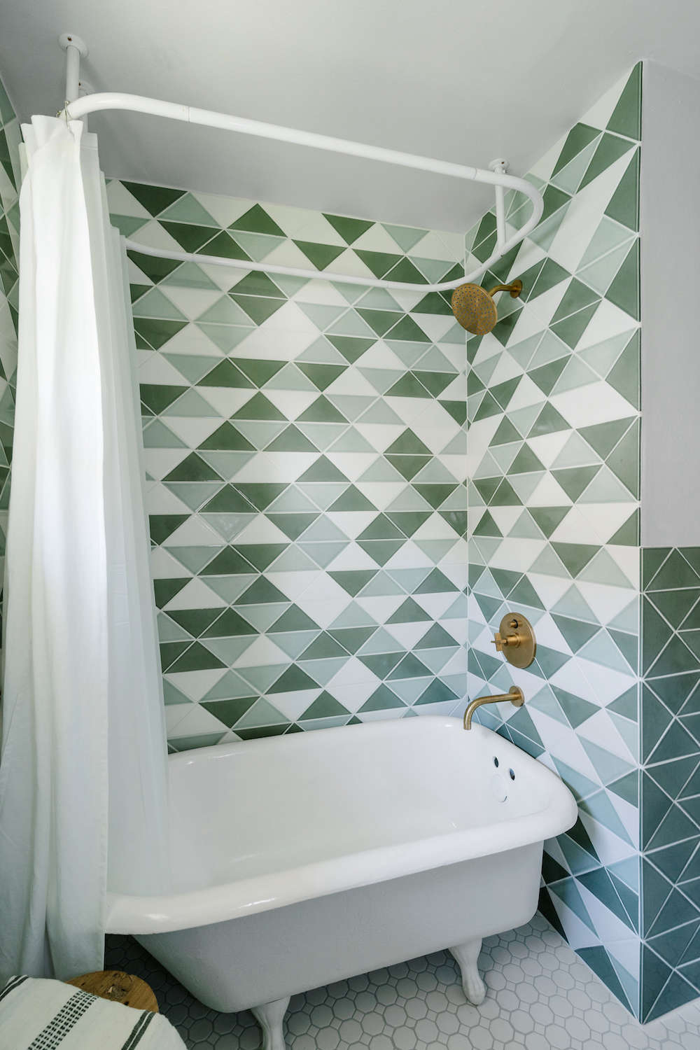 bathroom remodel with fireclay tile | remodelista 11