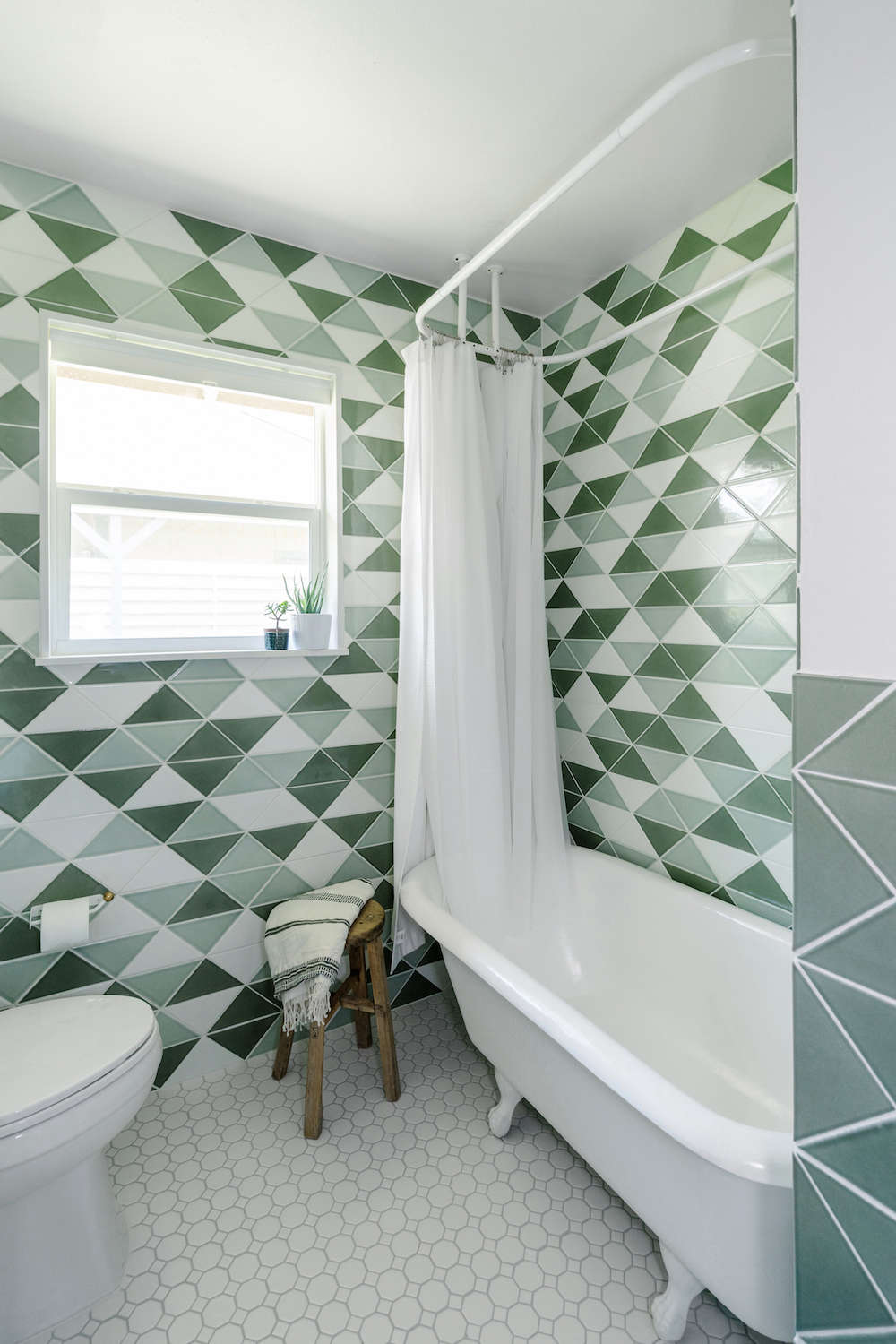 bathroom remodel with fireclay tile | remodelista 10