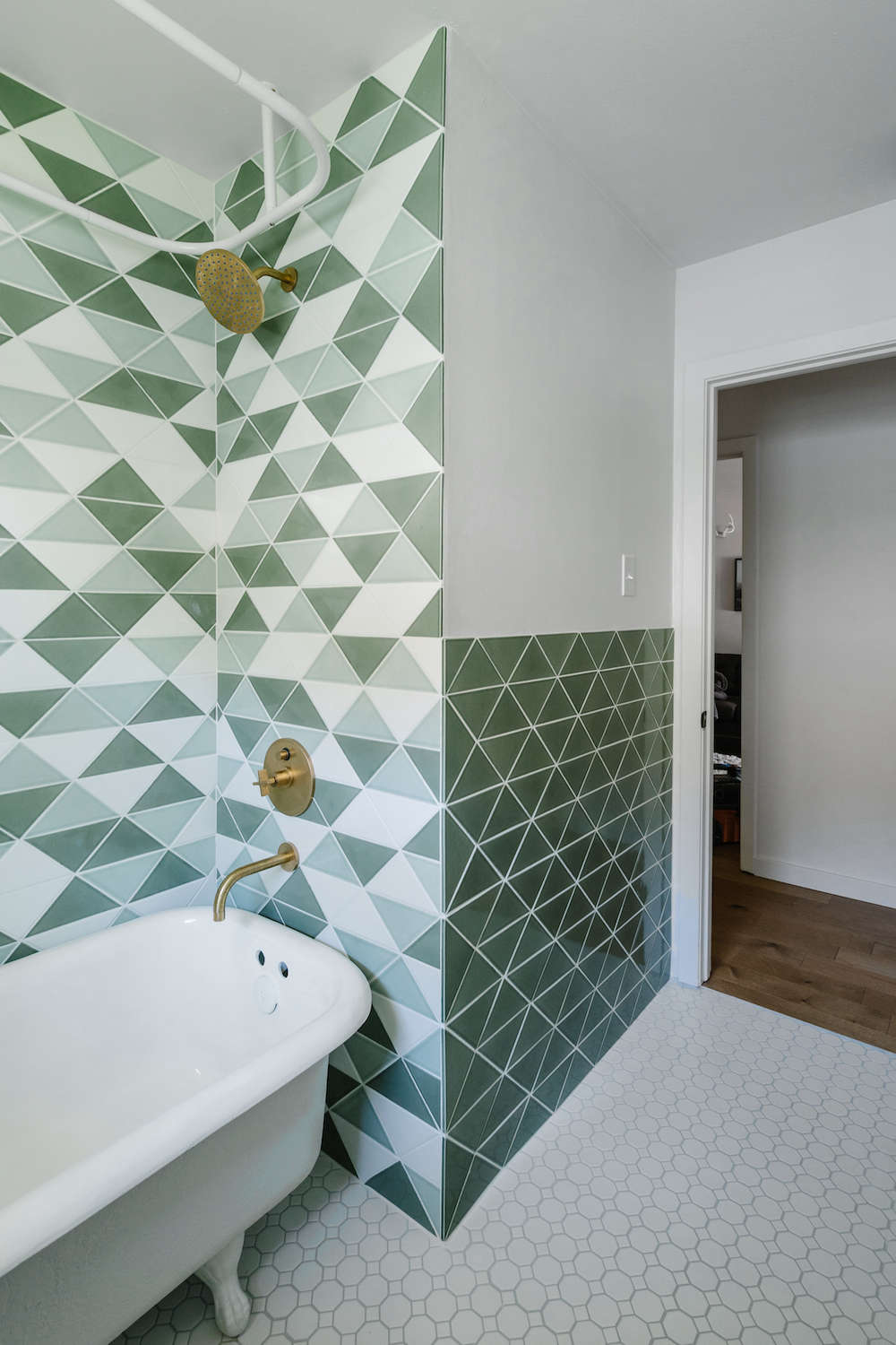 bathroom remodel with fireclay tile | remodelista 13