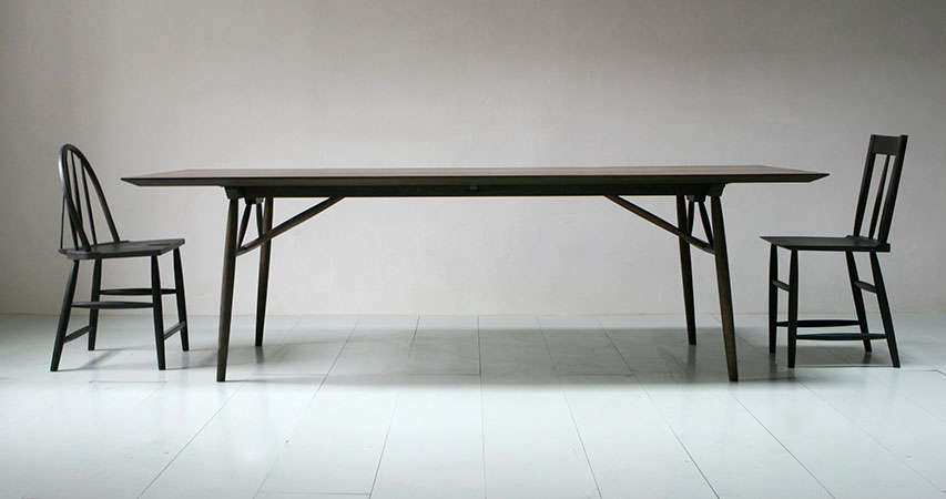 Sawkille-chairs-and-penn-table-via-Fair-Remodelista