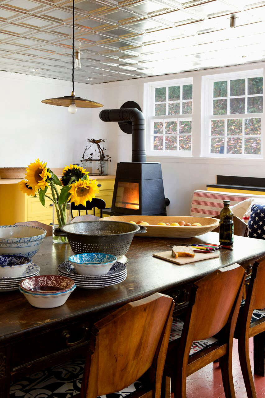 Bold Color in a Connecticut Country House &#8\2\20;The tin tiled ceiling reflects a lot of light,&#8\2\2\1; Galli says, &#8\2\20;which helps because the kitchen is on the dark side.&#8\2\2\1;