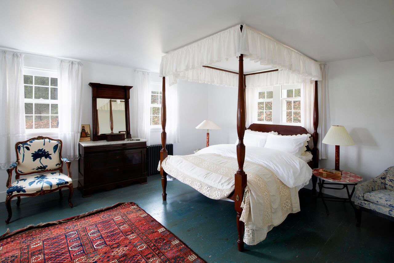The guest bedrooms are almost entirely furnished in flea market and vintage finds.