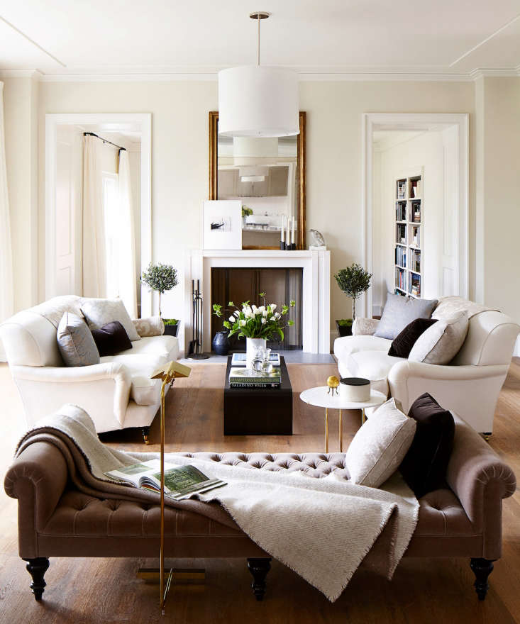 Jessica Speeckaert of Chambers & Chambers Architects in Mill Valley, California,saysClunch by Farrow & Ball isthe cult favorite in their office. &#8