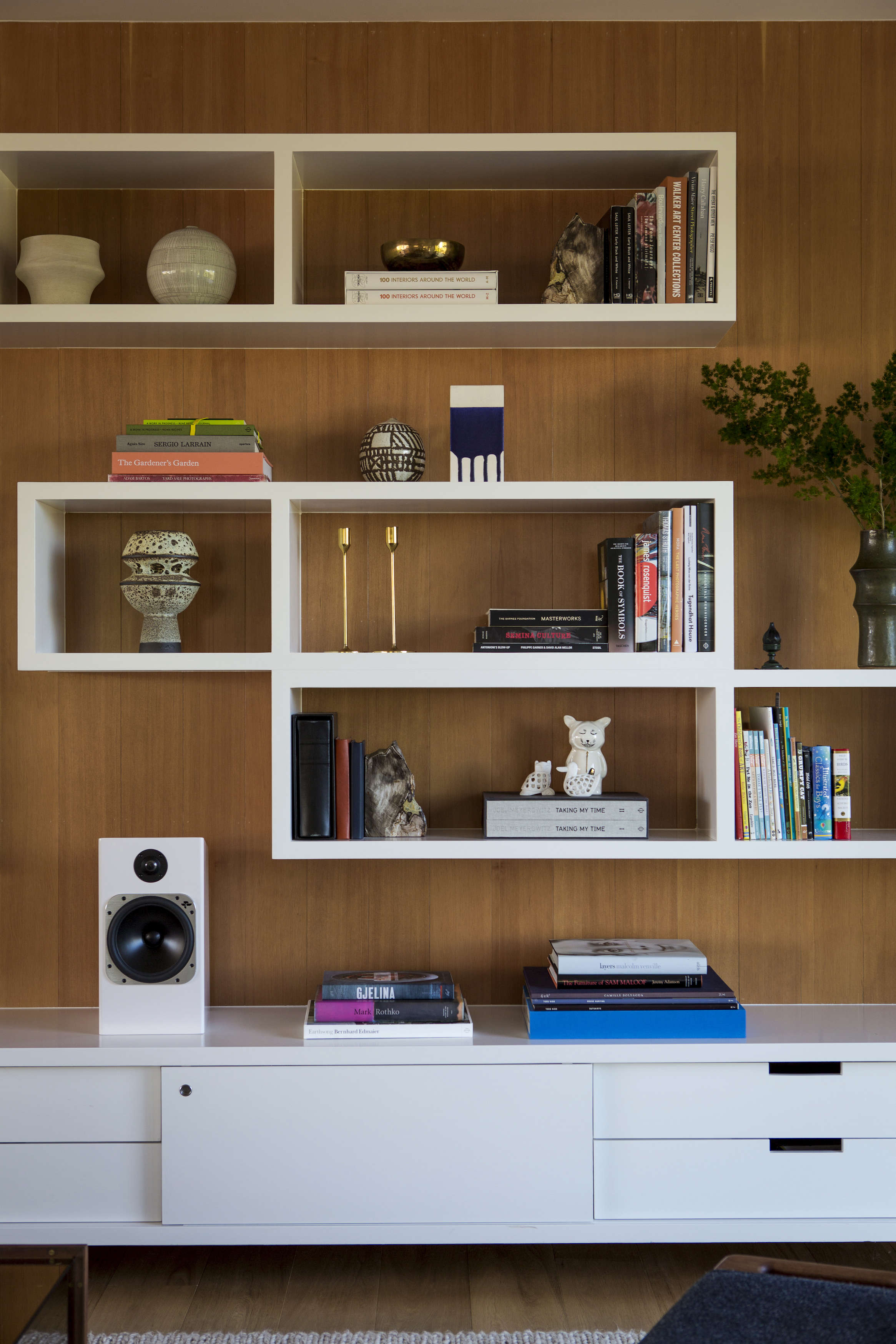 A midcentury ranch house reinvented: LA remodel by Barbara Bestor + DISC Interiors, Laura Joliet photo   Remodelista