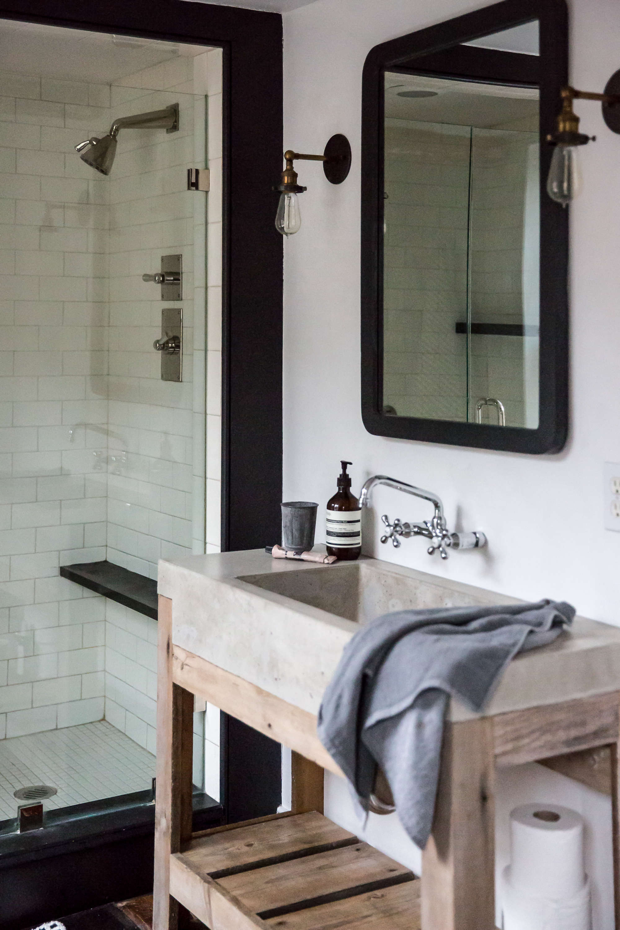 jersey ice cream co. old chatham house, remodelista, sink and shower 17