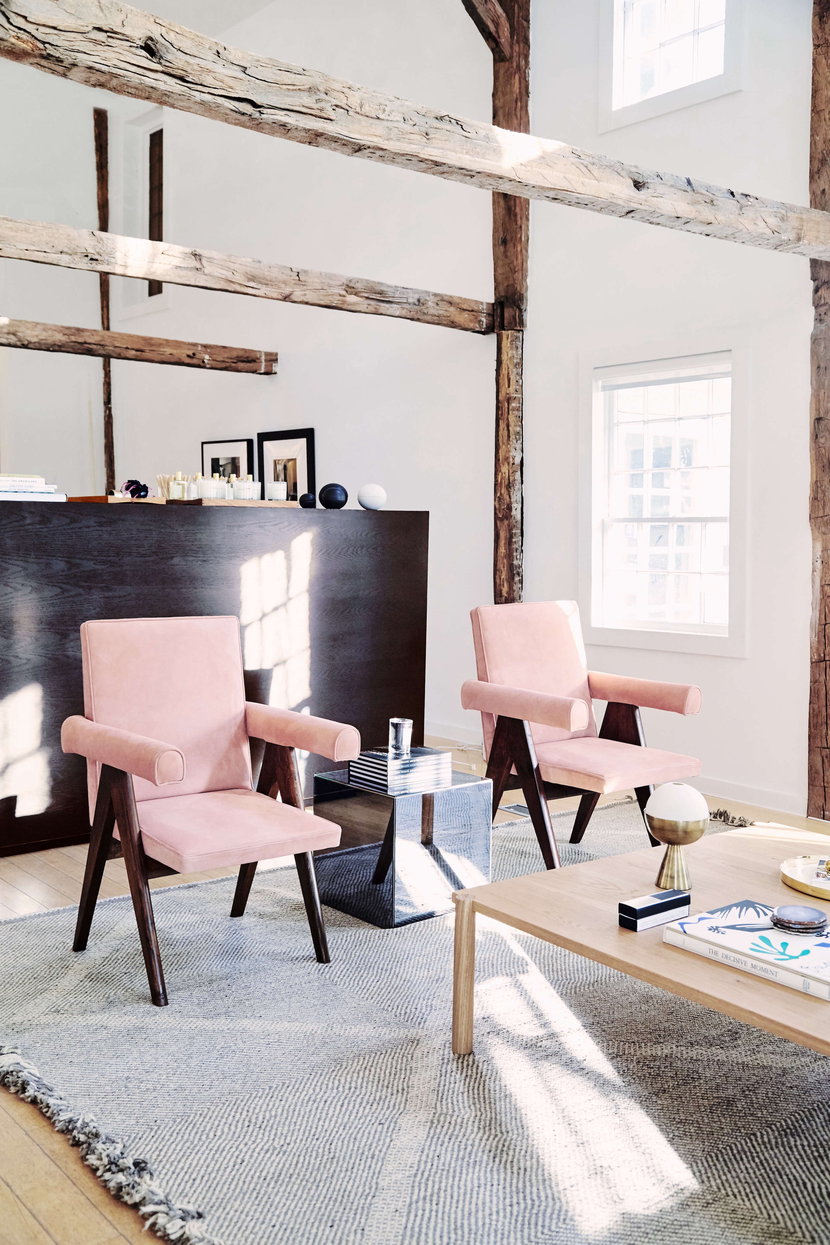 pierre jeaneret 1954 armchairs at the line amagansett | remodelista 10