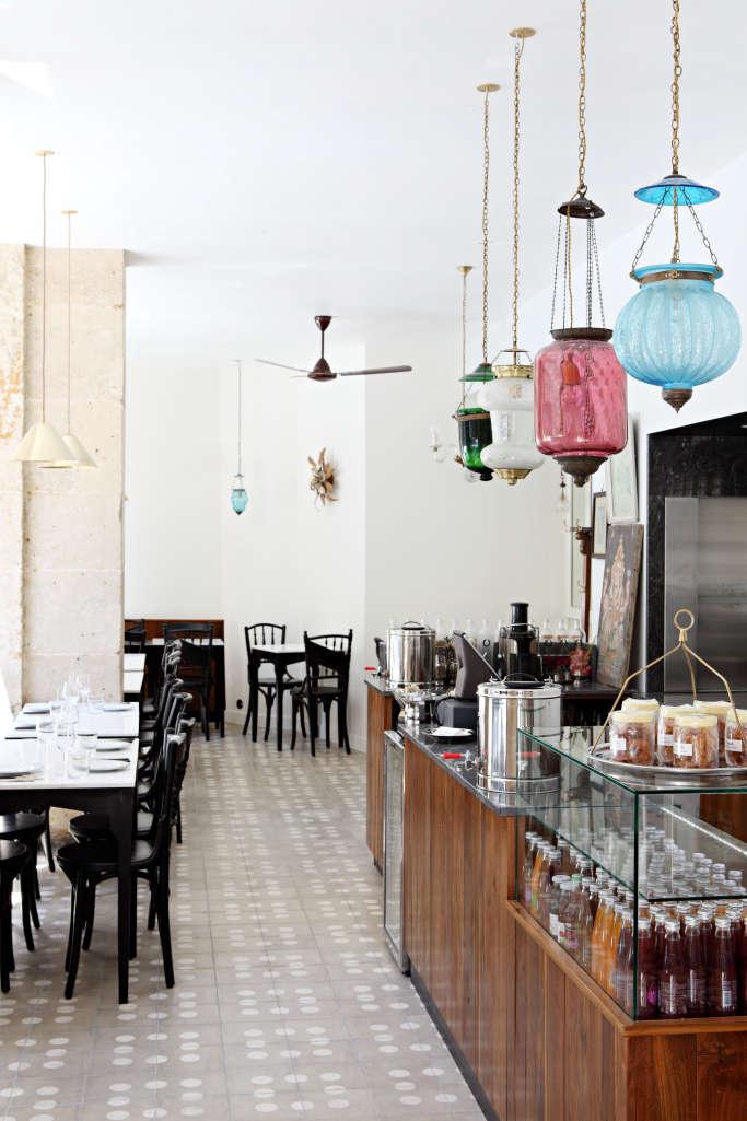 mg road indian restaurant in paris 10