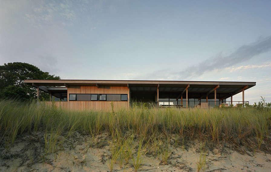 Modern Beach House by Cary Tamarkin | Remodelista