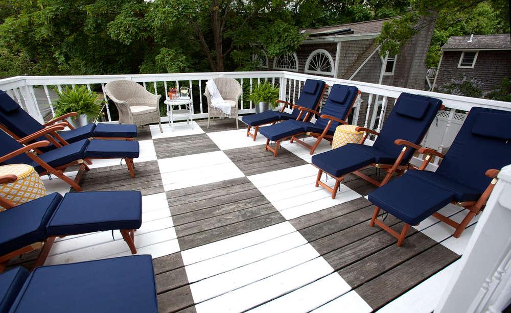 eben house painted deck remodelista 17