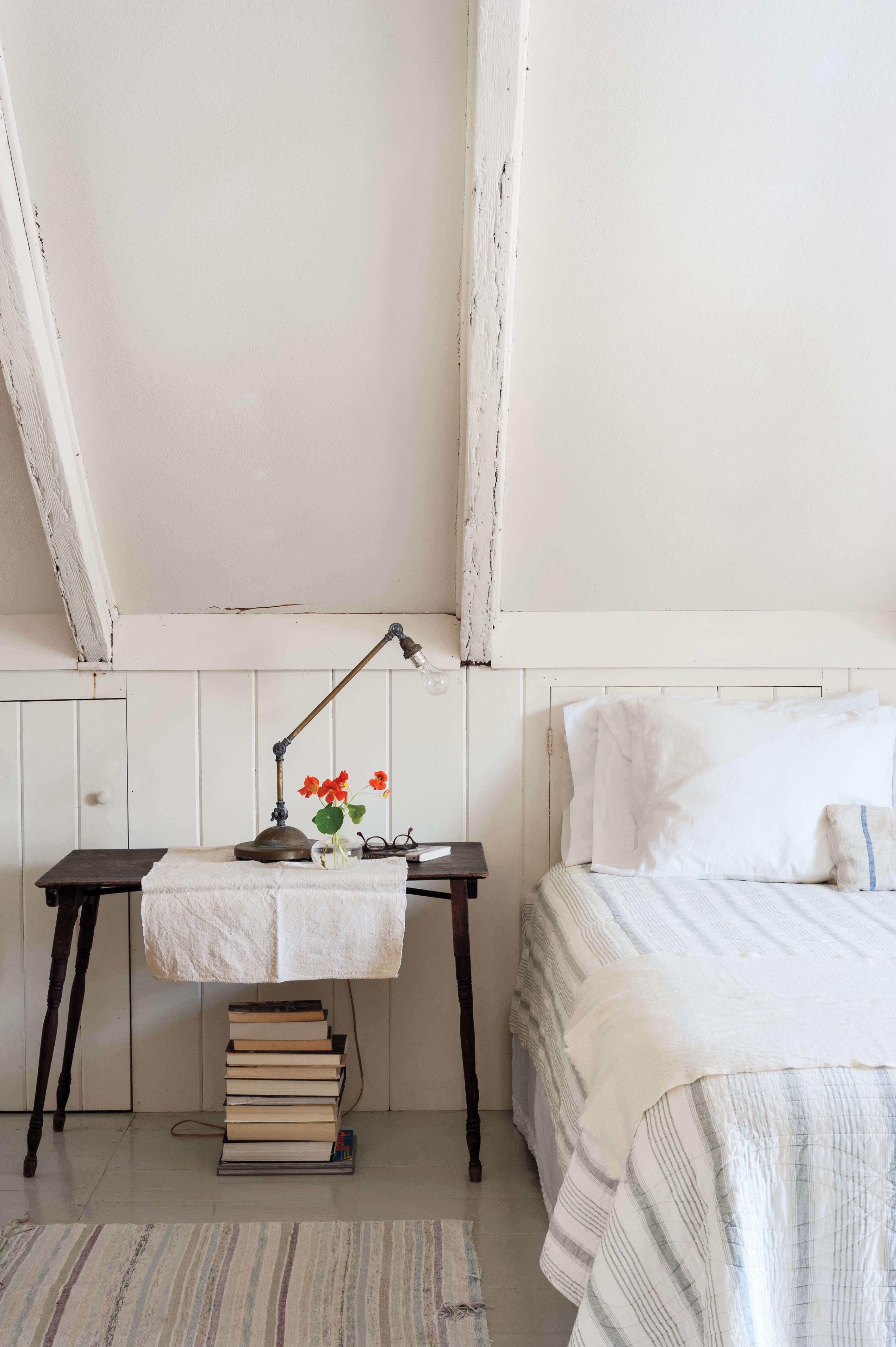Justine Hand's Cape Cod Bedroom